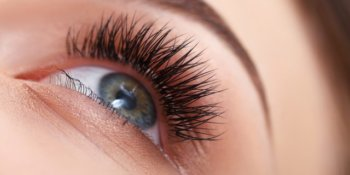 Grow Eyelashes Naturally with Latanoprost